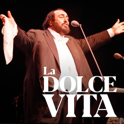 Luciano Pavarotti s'exécute en concert à Los Angeles en 2000.