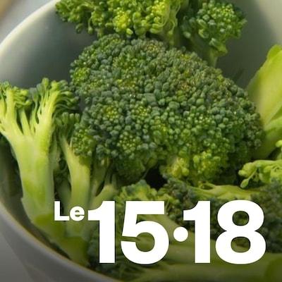 Du brocoli coupé dans un bol.
