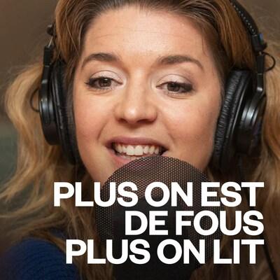 Marie-Ève Perron sourit au micro d'ICI Première.