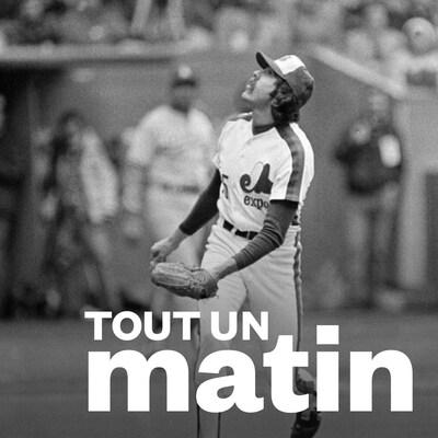 Le lanceur des Expos de Montréal Steve Rogers regarde la balle frappée lors du coup de circuit du frappeur des Rick Monday des Dodgers de Los Angeles.