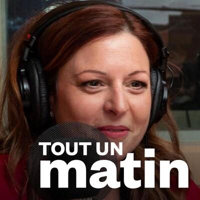 Marie-Maude Denis sourit au micro d'ICI Première.