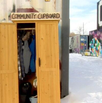 L'armoire dans la neige à Calgary.