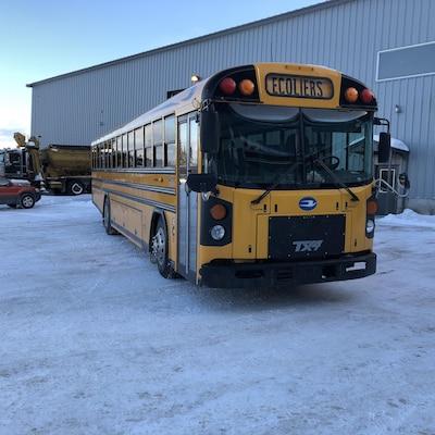 Un autobus scolaire.