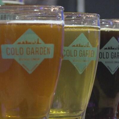 Des verres de bière Cold Garden.