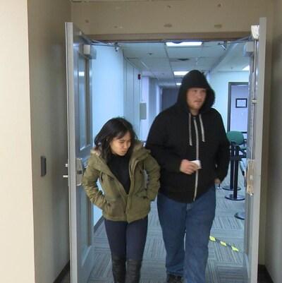 Le couple sortant du palais de justice.
