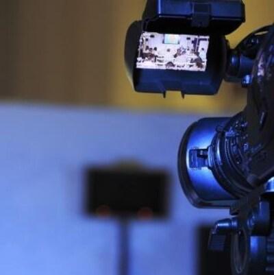 Une caméra lors d'un tournage