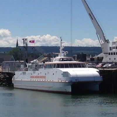 Le navire CNM Évolution, qui effectue la traversée entre Rimouski et Forestville.