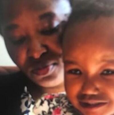 Une photo d'une femme et son enfant portés disparus.