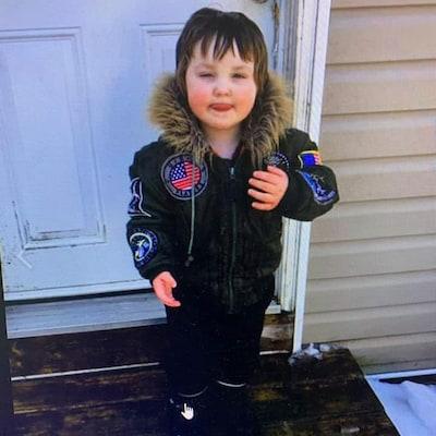 Photo d'un enfant de trois ans.