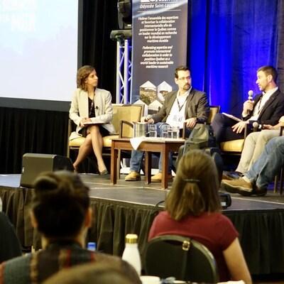 Des panélistes débattent lors du Forum québécois en sciences de la mer de Rimouski.