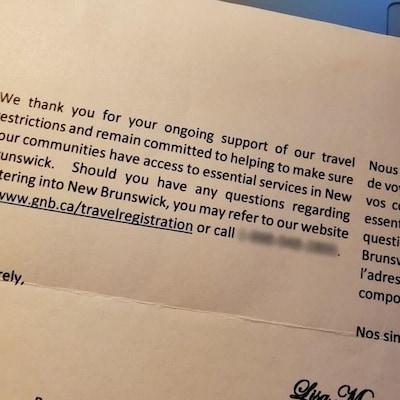 Le numéro de téléphone d'une ligne érotique a été publié par erreur dans une lettre du gouvernement du Nouveau-Brunswick.