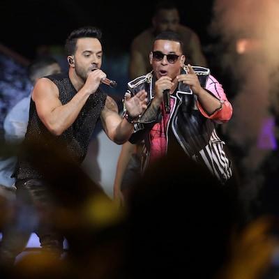 Luis Fonsi et Daddy Yankee chantent leur chanson « Despacito » au Latin Billboard Awards en avril 2017