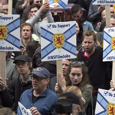 Manifestation de membres de l'industrie du cinéma et de la télévision devant l'Assemblée législative de la Nouvelle-Écosse le 11 mai 2015, à Halifax.