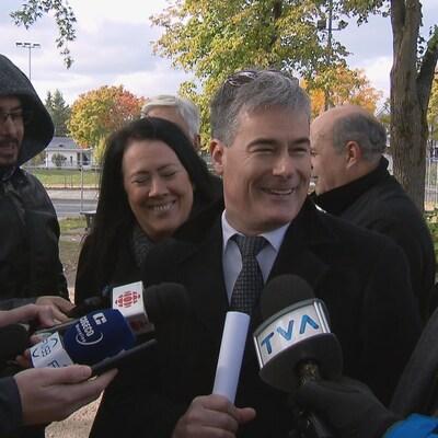 Patrick Paquet lors d'un point de presse pour annoncer sa candidature dans l'élection partielle de Neufchâtel-Lebourgneuf