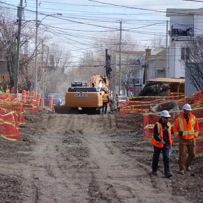 Les travaux ont repris dans le district Saint-Robert, vendredi matin.