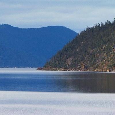 Le réservoir Manicouagan vu depuis la crête du barrage Daniel-Johnson.