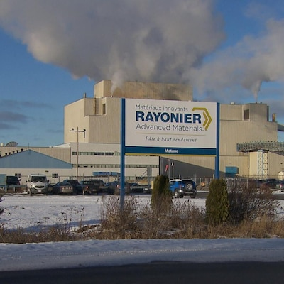 L'usine Rayonier de Matane (anciennement Tembec) a besoin du quai pour exporter la pâte en Europe.