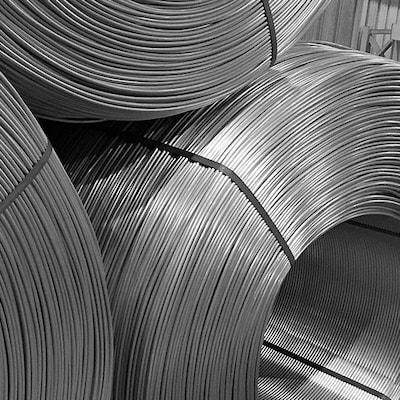Tiges d'aluminium enroulées