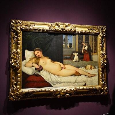 Tableau montrant une femme nue, qui est allongée.