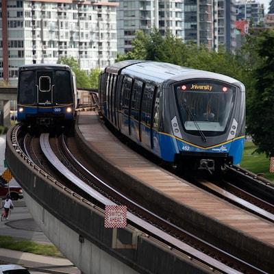 Le SkyTrain, le métro de Vancouver.