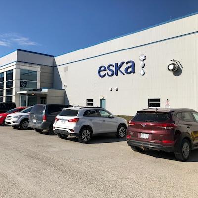 Une usine Eska vue de l'extérieur.