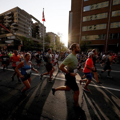 Des coureurs au Marathon international de Montréal