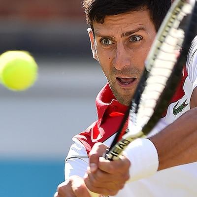 Novak Djokovic a le regard bien posé sur la balle dans son match contre Grigor Dimitrov