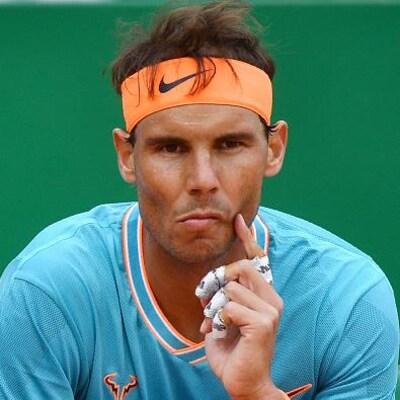 Rafael Nadal, songeur, lors de sa demi-finale du Masters de Monte-Carlo
