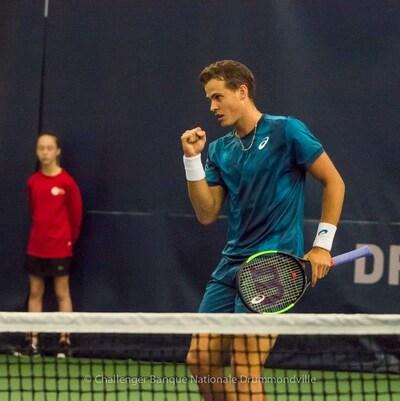 Victoire de Vasek Pospisil 7-5 6-3 contre Ante Pavic