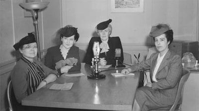 Thérèse Casgrain, au centre, a mené le combat pour le droit de vote des femmes au Québec.