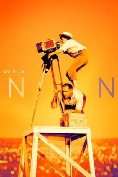 Sur fond orange, une femme sur le dos d'un homme vise à travers sa caméra.
