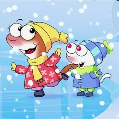 YaYa et Zouk glissent sur la patinoire. Ils sont contents de s'amuser sous les flocons de neige.