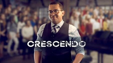 Gregory Charles est l'animateur de la deuxième saison de Crescendo.