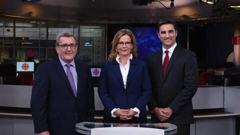 Débat sur le plateau du Téléjournal Québec entre les candidats à la mairie Régis Labeaume, Anne Guérette et Jean-François Gosselin.