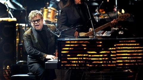 Elton John en concert au Colosseum du Caesars Palace de Las Vegas en 2011