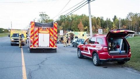 Des émanations au Centre de tri de Rivière-du-Loup ont entraîné l'hospitalisation d'une trentaine de personnes.