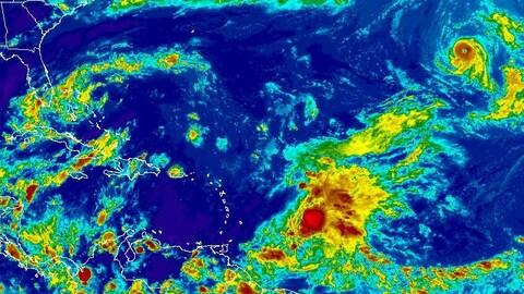 L'imagerie satellite indique que l'ouragan Ophelia évolue bien loin des côtes américaines.