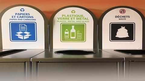 Des bacs de récupération et de déchets