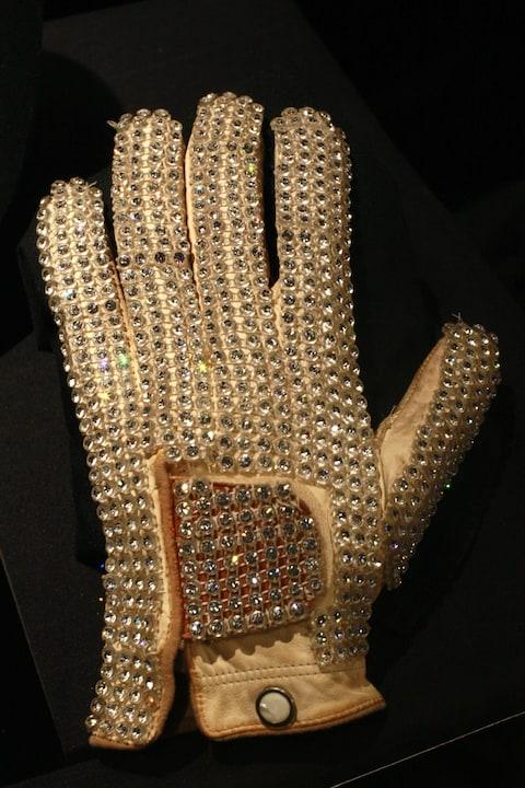 Le gant que Michael Jackson a porté en tournée en 1981