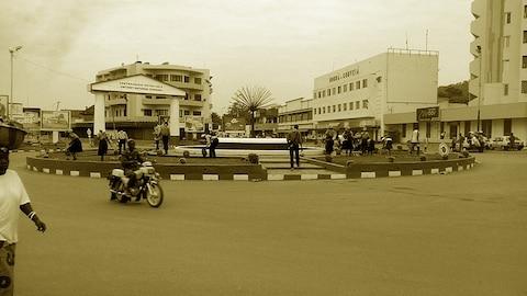 À un rond point animé de Bangui