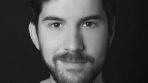 Portrait photo de l'auteur Jonathan Bécotte