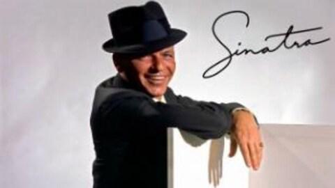 Le chanteur Frank Sinatra