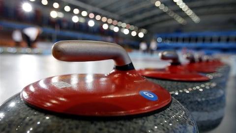 Des pierres de curling