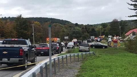 Des véhicules d'urgence sur les lieux d'un accident