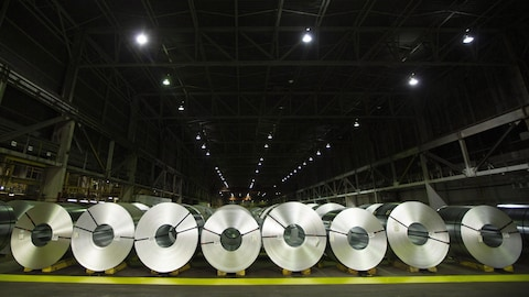 Des rouleaux d'aluminium.
