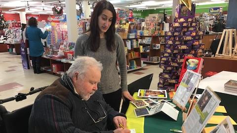 La campagne « cartes de vœux » se déroule à la biblairie GGC de Sherbrooke