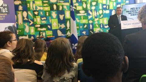 Le ministre Sébastien Proulx a procédé à l'annonce de 50 millions pour les écoles en milieu défavorisé.