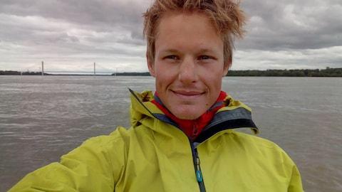 L'aventurier belge Arnaud Maldague, sur le Mississippi.