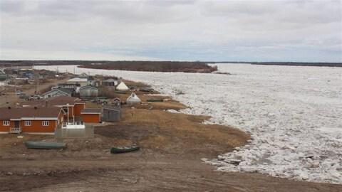 La Première Nation d'Attawapiskat, située près de la baie James.