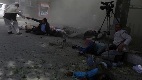 Des journalistes afghans ont été visés par un des deux attentats commis le 30 avril 2018 à Kaboul.